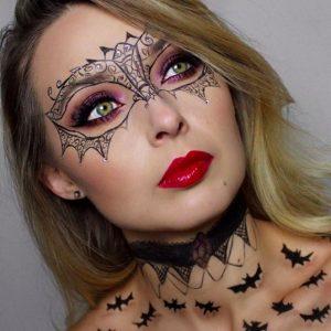макияж в виде маски